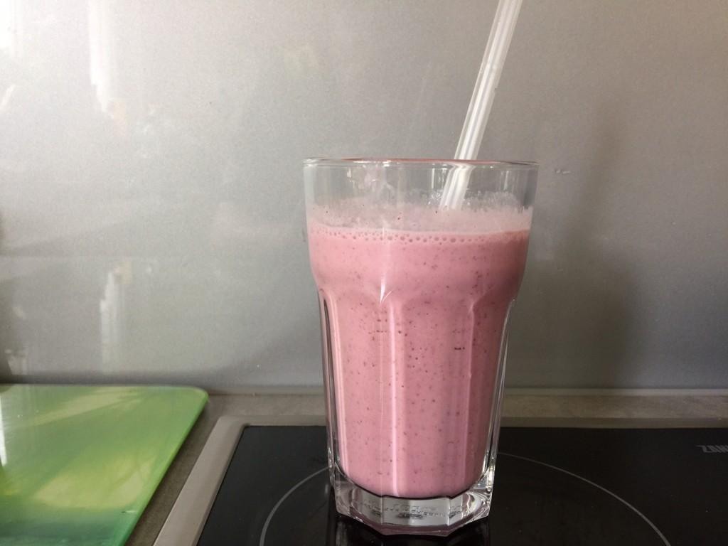 erdbeer-milchshake-thermomix-tm5-blog